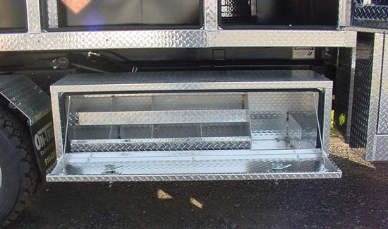 Medium Duty Truck Toolboxes: Custom Crossbody, Underbody Toolboxes